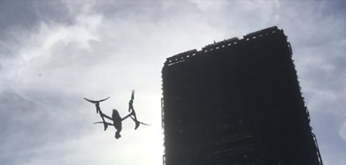 drone sulla grenfell tower